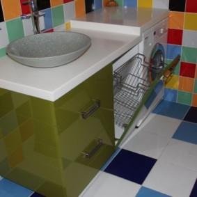 Gạch vuông với nhiều màu sắc khác nhau