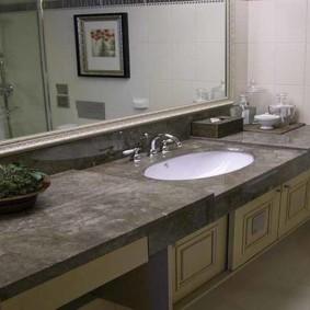 Mặt bàn đa cấp trong phòng tắm kết hợp