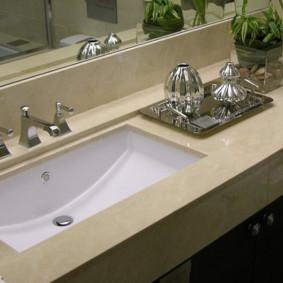 Bồn rửa tích hợp trong phòng tắm của Khrushchev