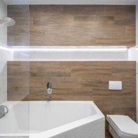 Carrelage en bois dans la salle de bain