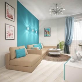 Mur turquoise à l'intérieur du salon