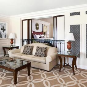 Canapé pliant dans le hall d'une maison privée