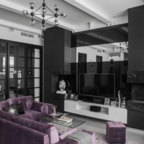 Đồ nội thất màu đen với bề mặt bóng