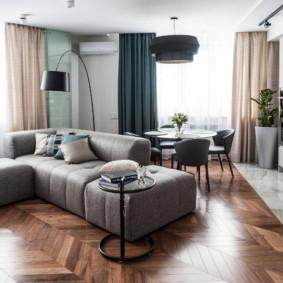 Sàn gỗ trong hội trường với ghế sofa