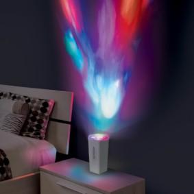 Veilleuse de projection sur table de chevet