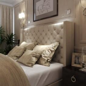 Lit lumineux avec tête de lit massive