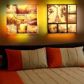 Panneau de photos avec éclairage dans une chambre