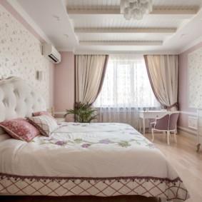 Plafond en bois de chambre rustique