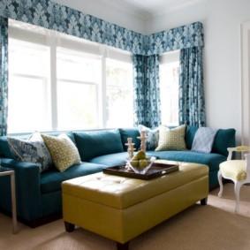 Sofa góc trong phòng của một ngôi nhà riêng