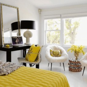 Couleur jaune dans la décoration de la chambre