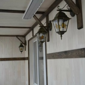 Lanternes de jardin pour l'éclairage de balcon
