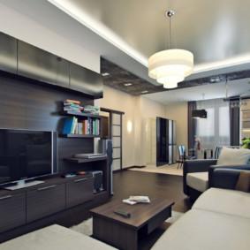 Plafond à deux niveaux du couloir de l'appartement