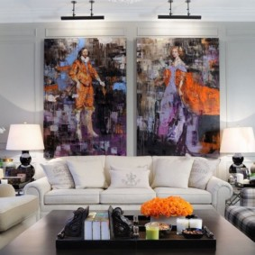 Peinture à l'intérieur d'un salon classique