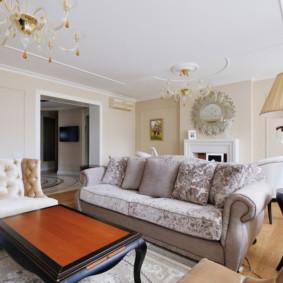 phòng khách trong trang trí màu sắc tươi sáng