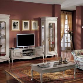 phòng khách theo phong cách cổ điển
