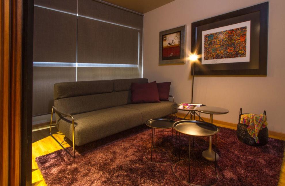Sofa thoải mái trong phòng khách nhỏ