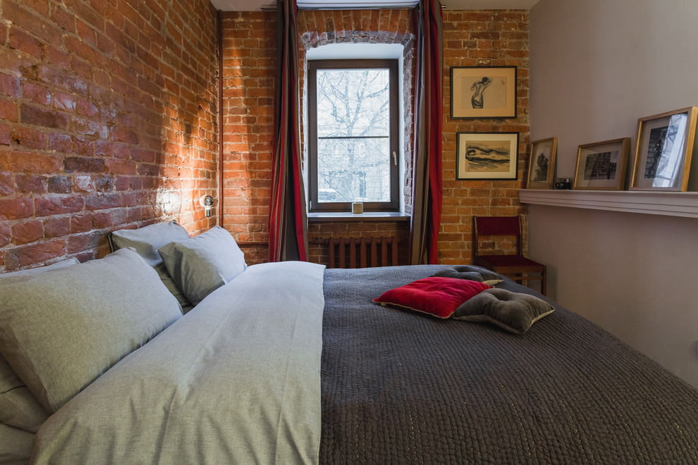 Chambre compacte dans le style loft dans l'appartement