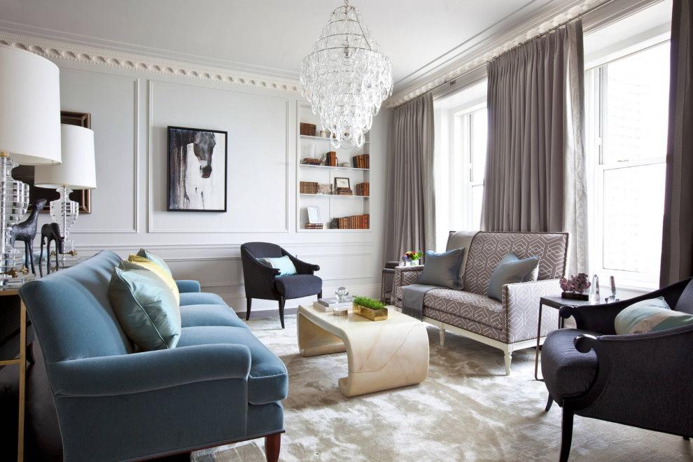 Đèn chùm trên trần phòng khách theo phong cách tân cổ điển