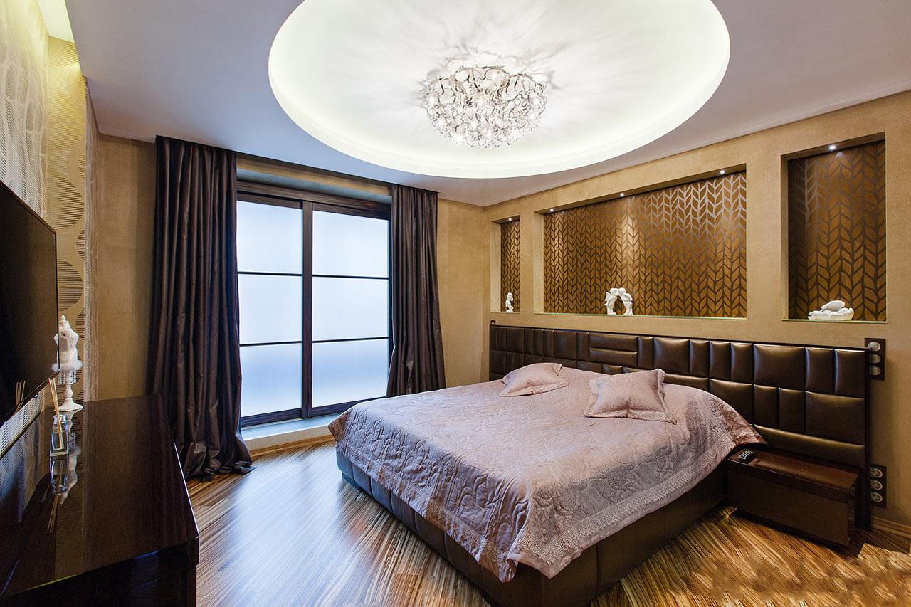 plafonds tendus mats dans la chambre