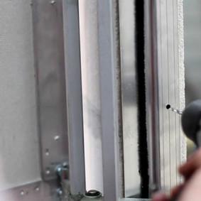 Perçage des trous pour fixer la trappe
