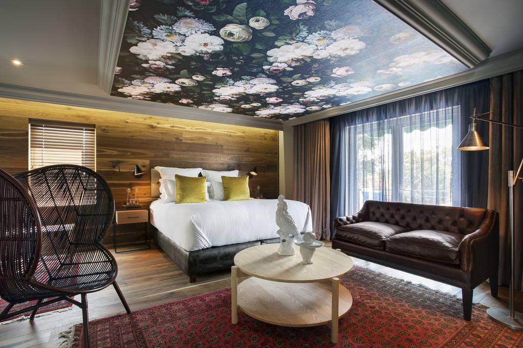 plafonds tendus dans l'impression photo de la chambre