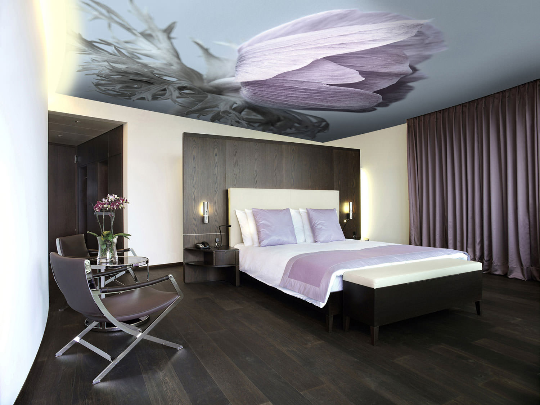 plafonds tendus dans la chambre avec impression photo