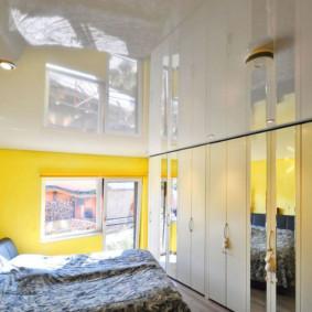 plafonds suspendus dans les options de photo de la chambre
