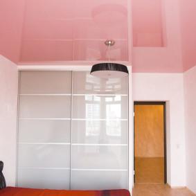plafonds suspendus dans les types de décoration de la chambre