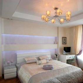 plafonds tendus dans le décor de la chambre photo