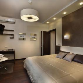 pièces d'éclairage dans l'appartement