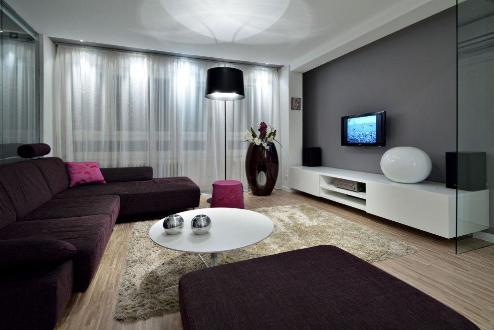 Éclairage de salle avec rideau en tulle