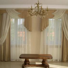 rideaux dans le couloir sur deux fenêtres idées intérieur