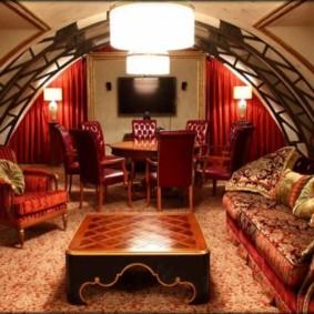 salle intérieure dans un décor de style oriental