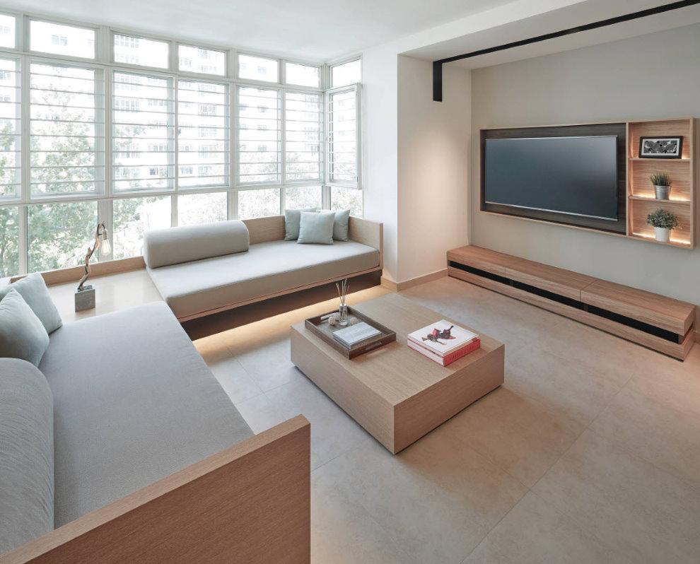 Fenêtre panoramique dans le hall de style moderne