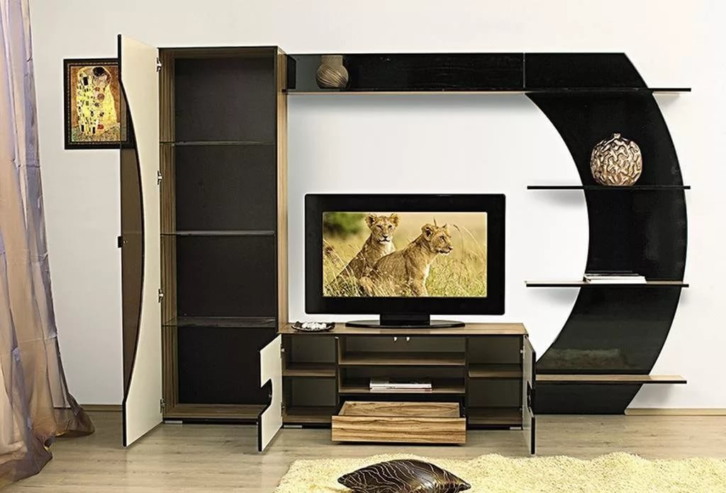 Mur TV dans le salon aggloméré