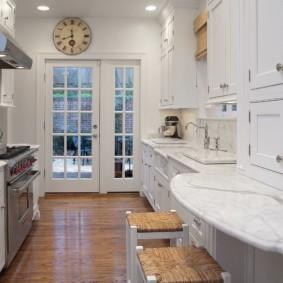 table en pierre artificielle dans le décor photo de la cuisine
