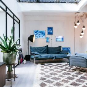 Trần nhà tồi tàn trong phòng khách theo phong cách hiện đại