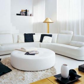 canapé d'angle dans le salon photo intérieure