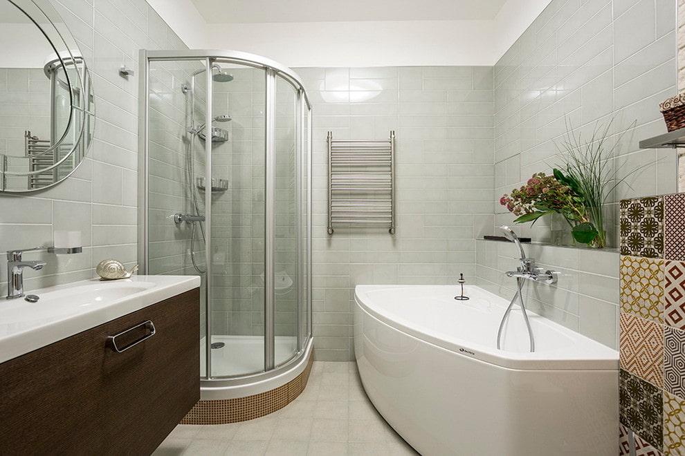 Baignoire en fonte dans un appartement en ville