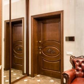 portes d'entrée aux idées intérieures de l'appartement