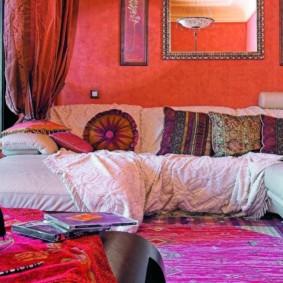 salle intérieure dans des idées de décoration de style oriental