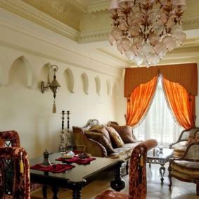 salle intérieure dans un décor d'idées de style oriental