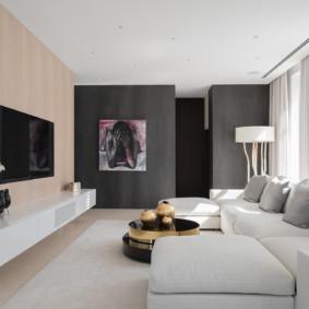Mur gris dans une pièce lumineuse