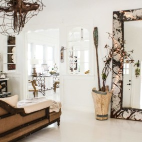 gương trong tổng quan ý tưởng nội thất phòng khách