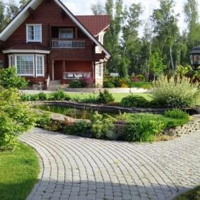 Cottage avec grenier résidentiel