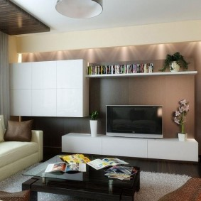 Mur modulaire dans un petit salon