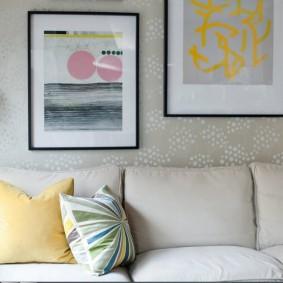 Peintures sur le mur avec papier peint en vinyle