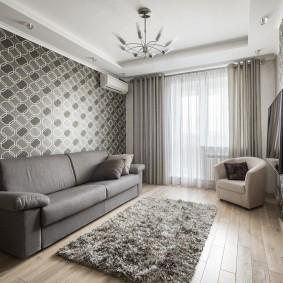 Nuances de gris dans la conception du salon