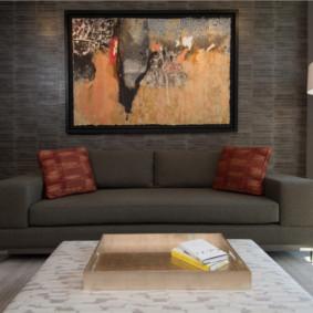 Peinture abstraite à l'intérieur de l'appartement