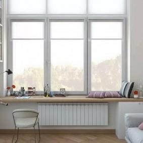 Décoration de fenêtre sans rideaux dans la chambre des enfants